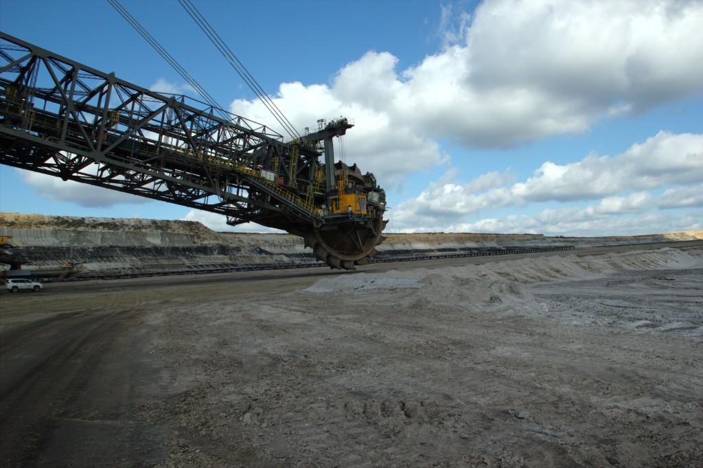 Abraumbagger im Tagebau Nochten